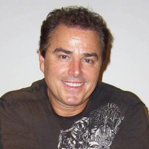 Christopher Knight | biog.com