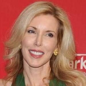 Kimberly Woolen | biog.com