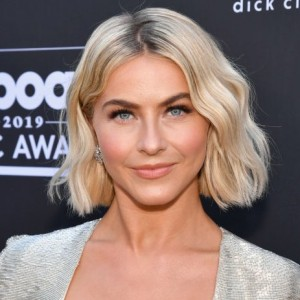 Julianne Hough | biog.com