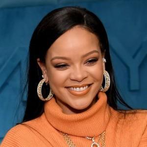 Rihanna | biog.com