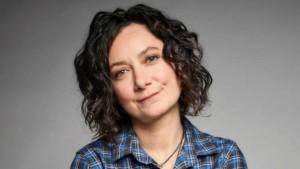 Sara Gilbert | biog.com