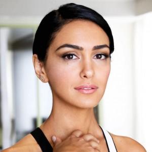 Nazanin Boniadi | biog.com