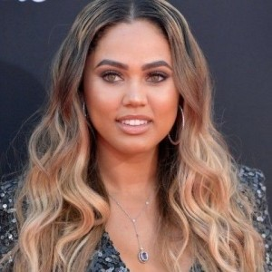 Ayesha Curry | biog.com