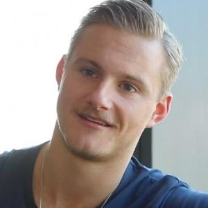 Alexander Ludwig | biog.com