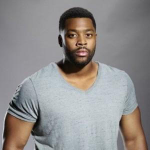Laroyce Hawkins | biog.com
