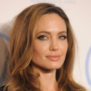 Angelina Jolie | biog.com