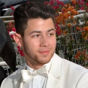Nick Jonas | biog.com